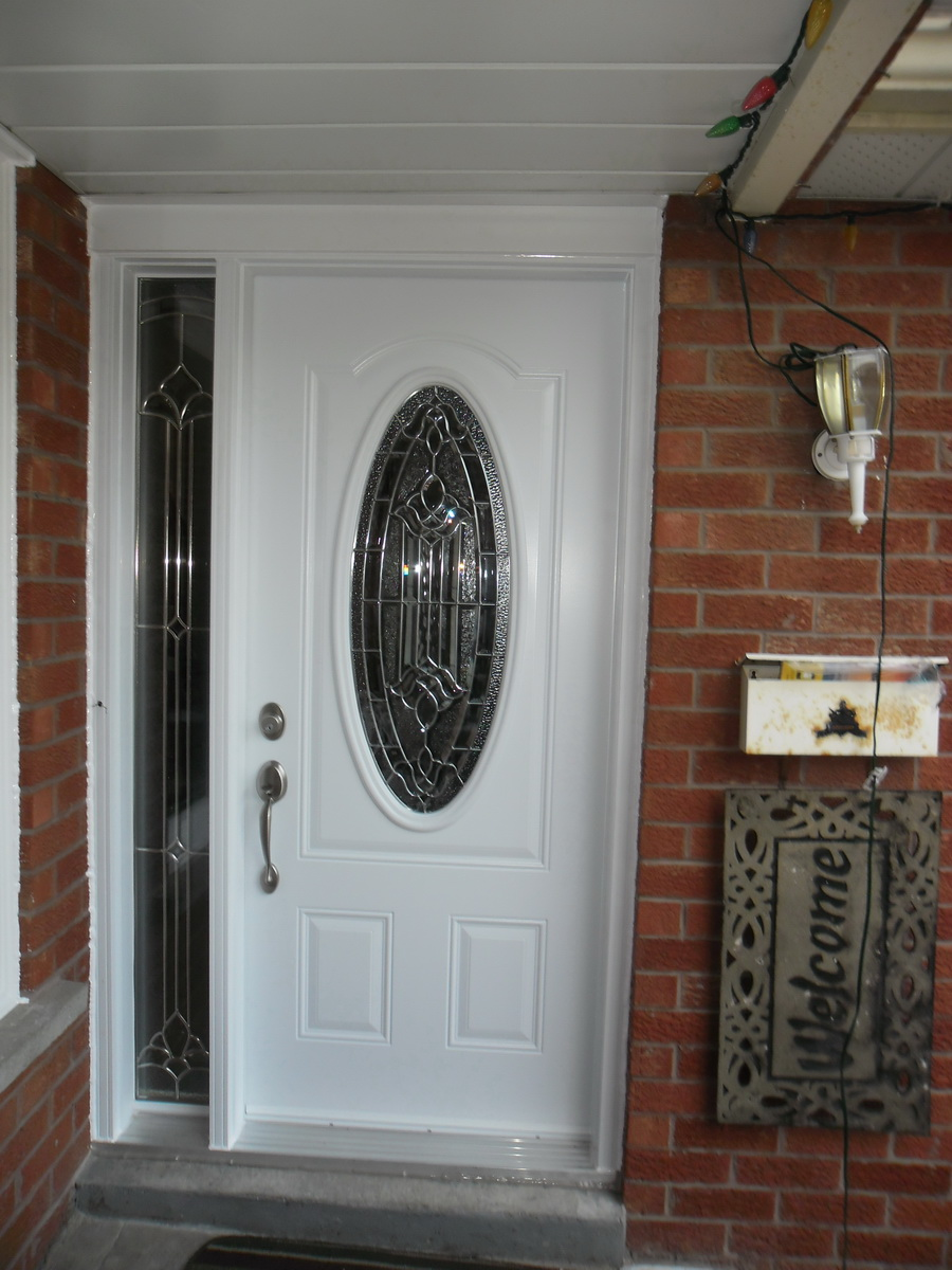 single_stell_door_with_sidelight