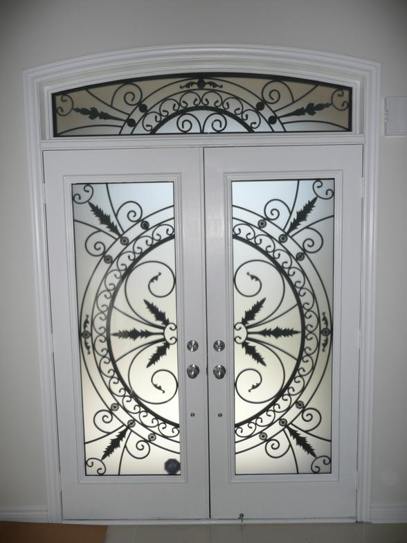 Entry Doors With Wrought Iron Insert 171 Windoors Canada